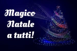 Auguri di Natale immagini albero magico